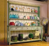 English Cottage Hutch