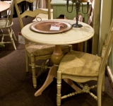 32″ ROUND PEDESTAL TABLE